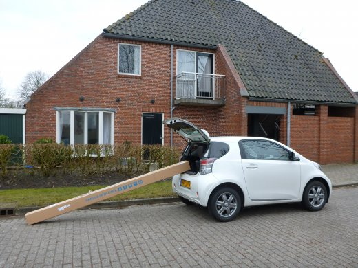 Big box vs Small car (naar binnen)