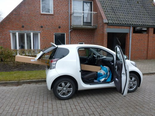 Big box vs Small car (het past)