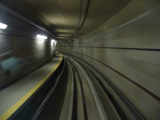 Washington - Dullas International Airport - tunnel